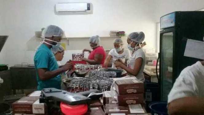 Vinos y chocolates artesanales producidos en Altamira serán distribuidos en cajas navideñas